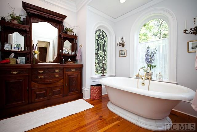 Highlands Victorian house for sale - bathroom